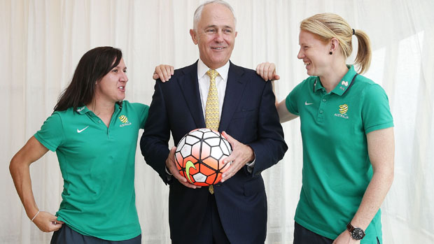 Malcolm Turnbull with Lisa De Vanna and Clare Polkinghorne.