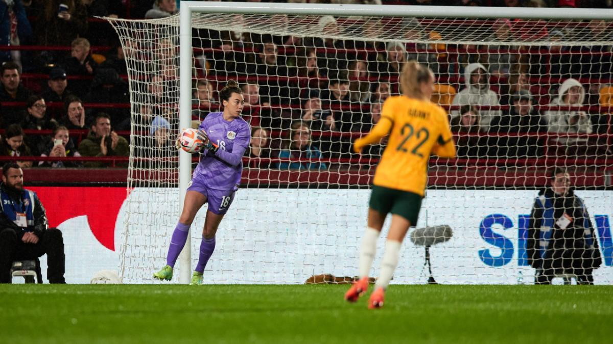 Former teammates Ally Green and Alanna Kennedy  | Westfield W-League x Westfield Matildas