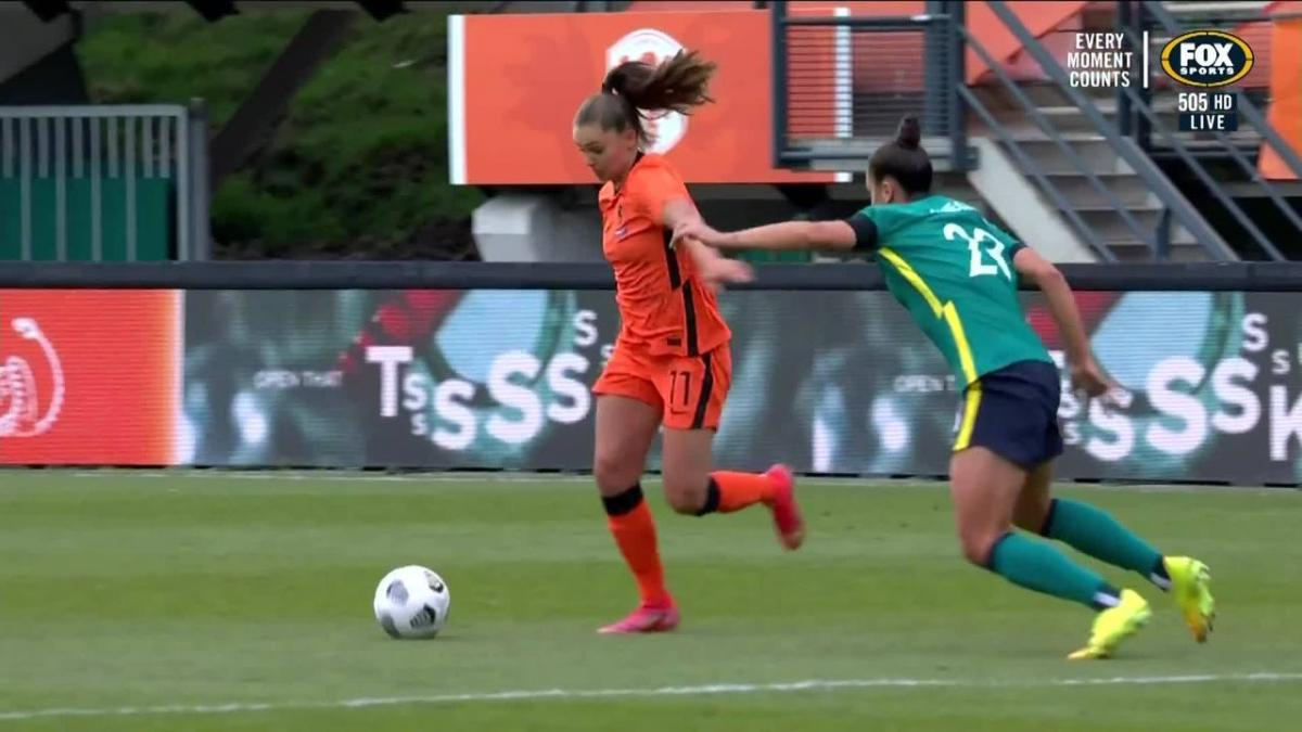GOAL: Martens - The Netherlands go two to the good