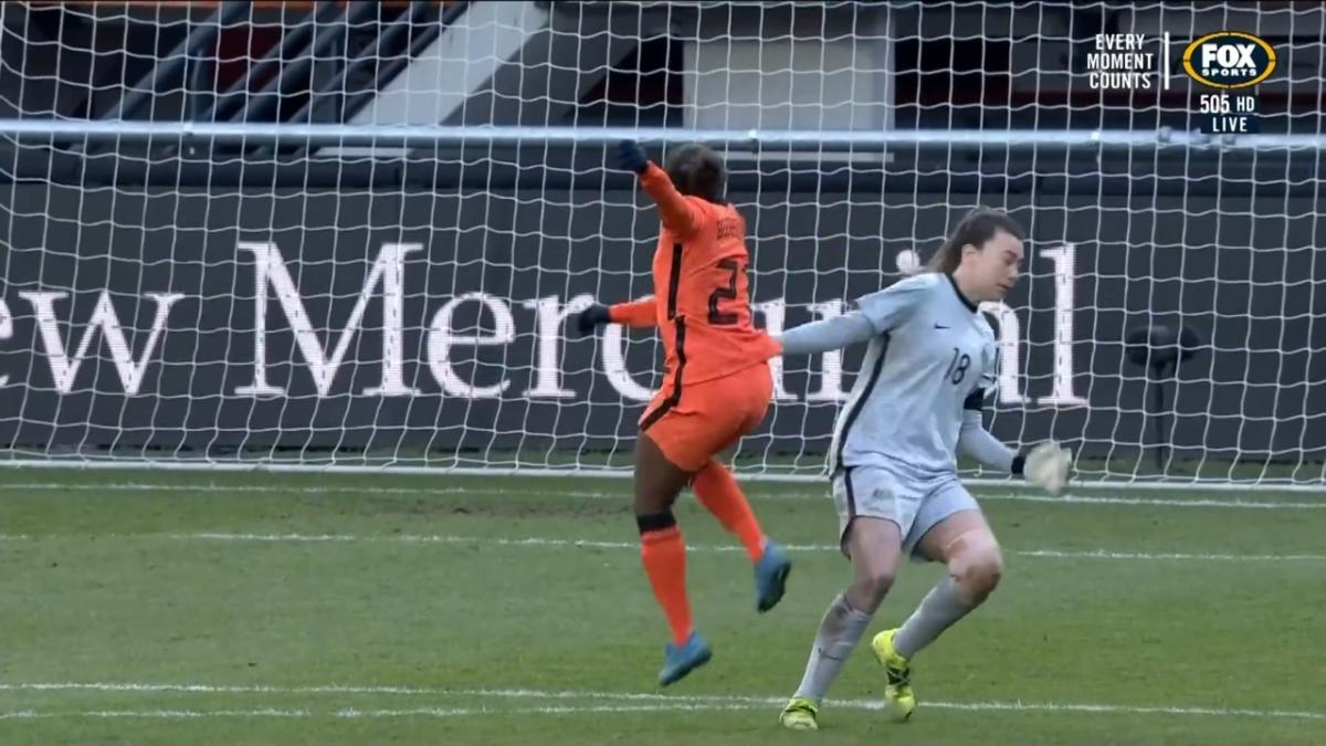 GOAL: Beerensteyn - The substitute bags the Dutch fourth