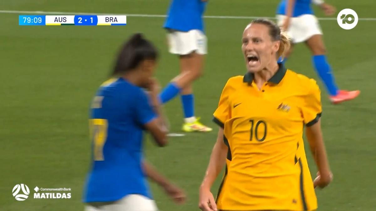 GOAL: van Egmond with the goal of the night | CommBank Matildas v Brazil