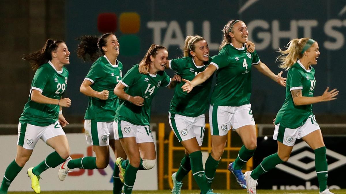 GOAL: Quinn - Another set-piece put away by Ireland