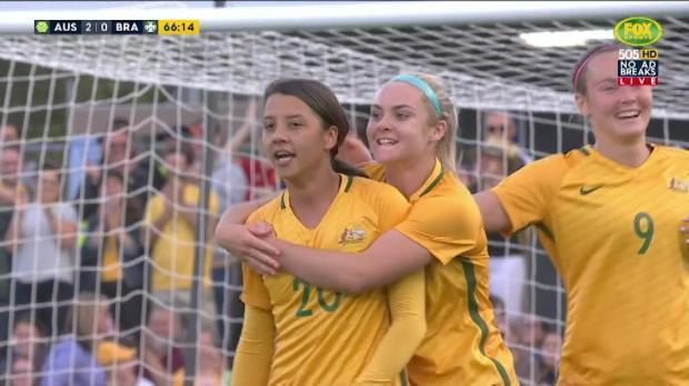 Kerr doubles Australia's advantage
