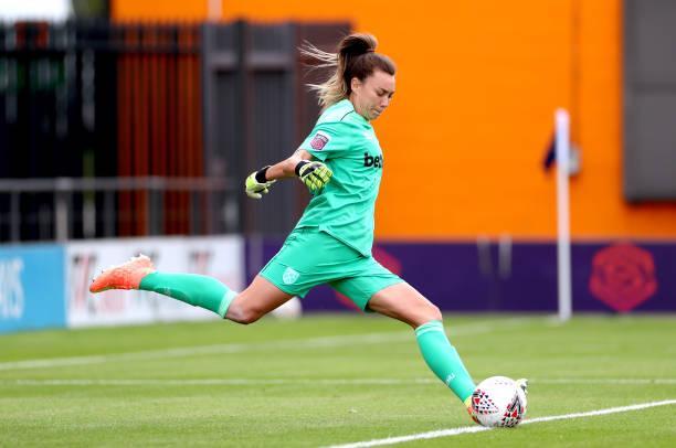Mackenzie Arnold takes a goal kick for West Ham