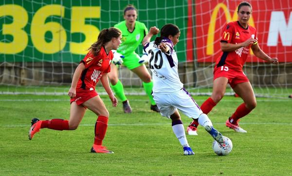 Kerr's brace not enough as Adelaide hold Perth in Westfield W-League