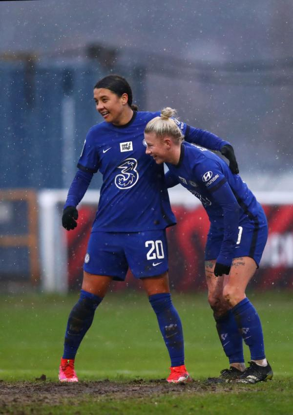 Sam Kerr and Beth England celebrate