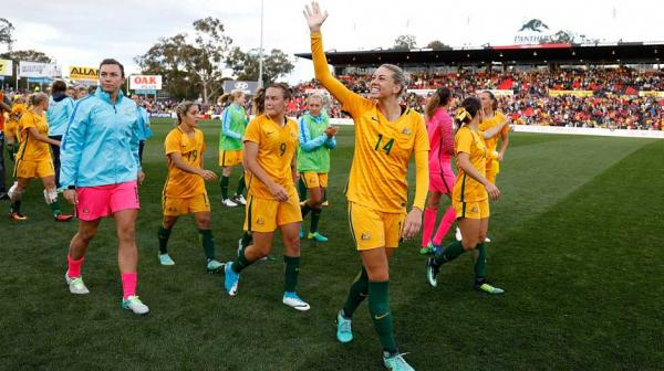 Westfield Matildas players thank the sell-out crowd at Pepper Stadium after their 2-1 win.